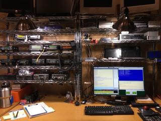 N8gnj_data_radio_desk